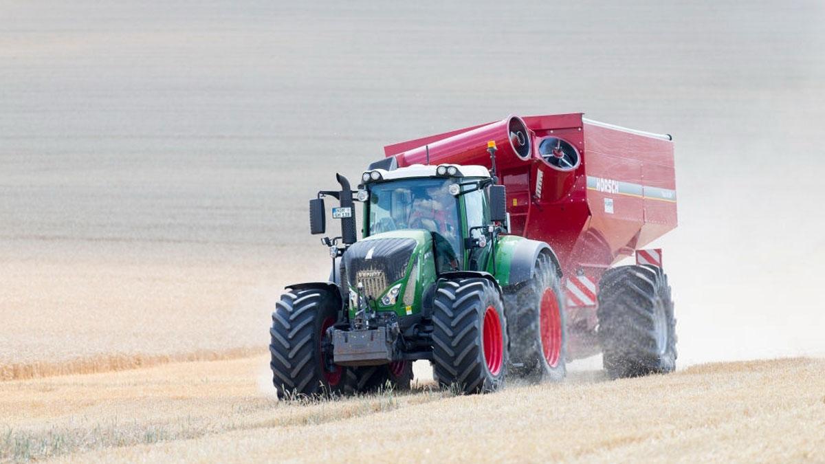 обновление машинно-тракторного парка